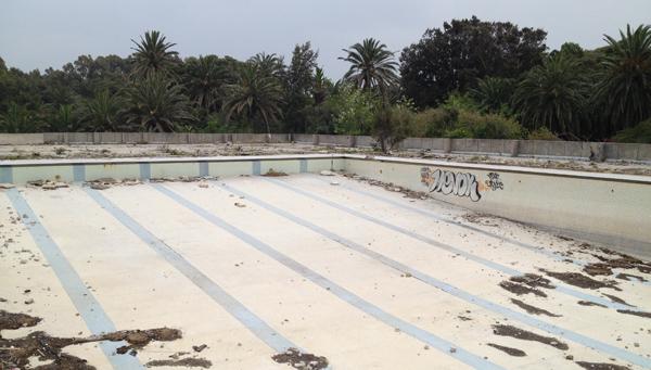 ruine-piscineclubMed-villaharris