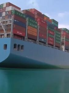 Le plus gros porte-conteneurs au monde fait route vers Tanger Med.