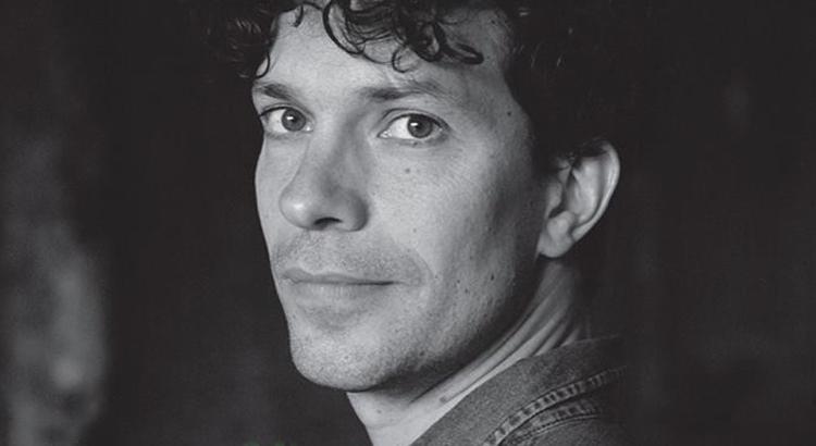 L'écrivain Pierre Ducrozet à la Galerie Delacroix de Tanger