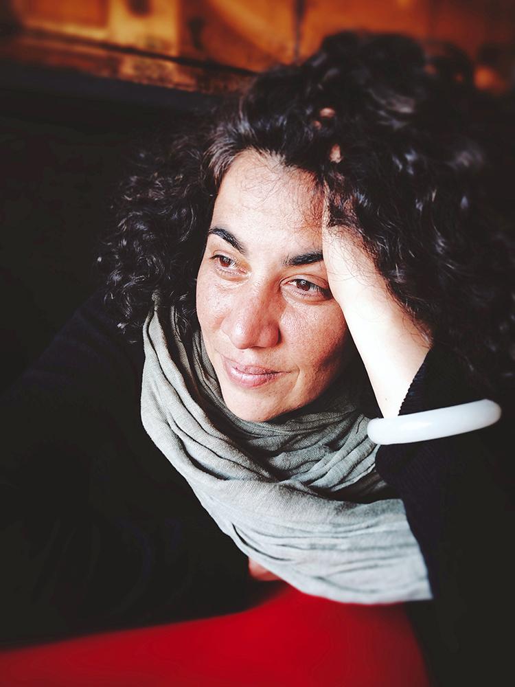 Portrait of Yamna Mostefa co-founder of the professional photo meetings in Tangier. Portrait de Yamna Mostefa cofondatrice des rencontres photo professionnelles de Tanger à la cinémathèque le RIF de Tanger.