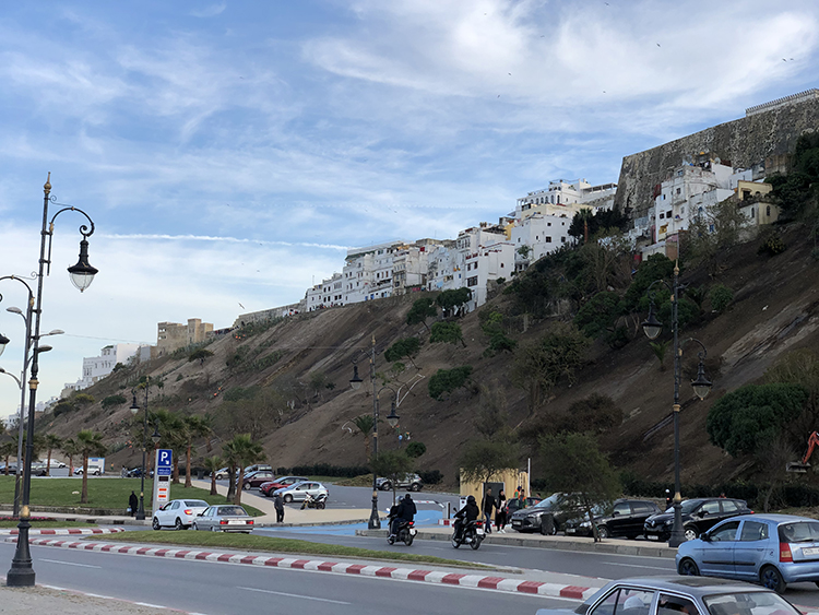 Quartier Bouknadel, vu de la route côtière